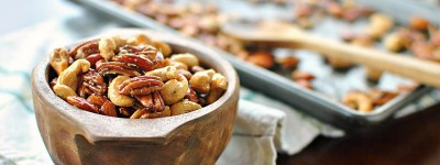 Toasted-Rosemary-Cayenne-Mixed-Nuts