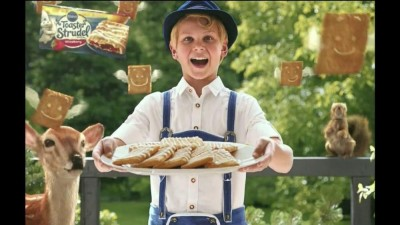 pillsbury-toaster-strudel-door-kick-with-hans-strudel-large-6