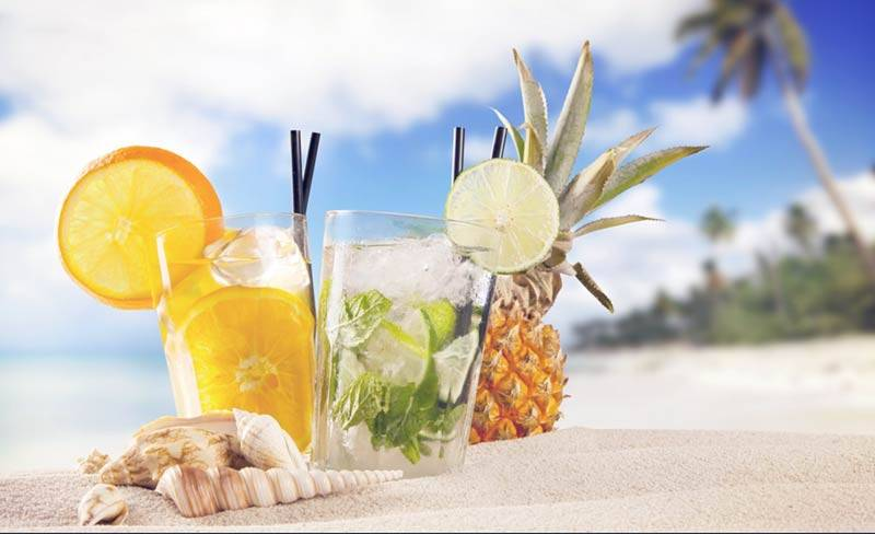 cocktail-pineapple-beach