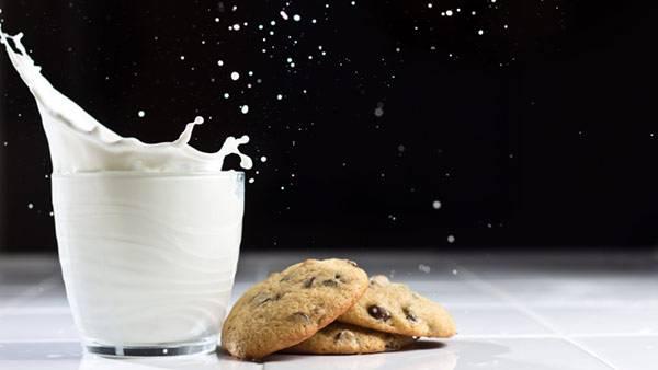 milkandcookies_splash